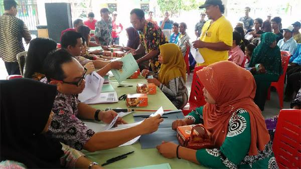 290 Bidang Sertifikat Prona Diserahkan ke Warga Tambak Kalisogo