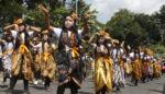 Regu Tentara Cantik Meriahkan  Karnaval Kemerdekaan RI di Jember