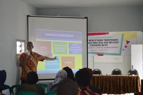 Ciptakan Transparansi Bumdes, Dosen UB Latih Perangkat Desa Gendro