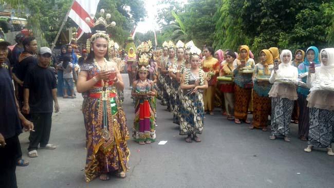 Lestarikan Tradisi, Desa Tanjungan Gelar Kirab Budaya