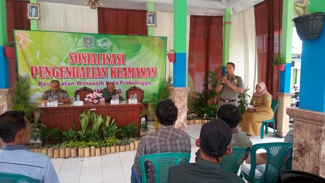 Tingkatkan Keamanan Lingkungan, Forpimka Wonoasih Gelar Pengendalian Wilayah