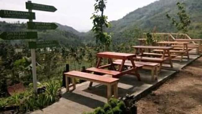 Pesona Wisata Cafe Gunung Sky Garden Desa Wonoboyo Klabang