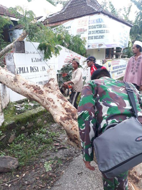 Puluhan Rumah Warga Situbondo Rusak Dihantam Angin Kencang
