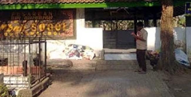Makam Mbah Sogol di Dusun Krajan Gondanglegi Wetan. (H Mansyur Usman/Memontum.Com)