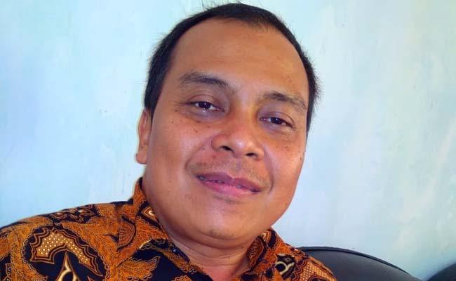 Agus Harianto S.Sos.M.Ap Camat Sumbermanjing Wetan. (H Mansyur Usman/Memontum.Com)