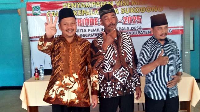 CAKADES :Suharto, Cakades Terpilih Sukodono Nomor Urut 3 bersama kedua rival. (H Mansyur Usman/Memontum.Com)