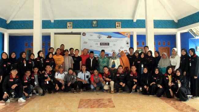 PRAKTIK : Kelompok 30 KKN UMM(H.Mansyur Usman/Memontum.Com)